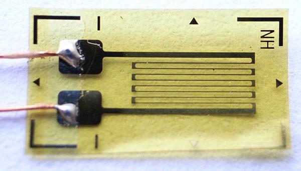 ZSB120-4AA-T中温(135°)单轴应变片.jpg